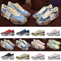 [Caja original + Calcetines + TAG] Preferencial RAF Ozweego Junto Zapatillas Running Zapatos Hombre y mujer Líquido Líquido Espejo Leche Espuma Retro Stitching Old Shoe EG7944
