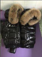 Schwarze / rote Frauen 100% Große Echt Waschbär Pelz mit Kapuze hinunter Mantel Dicke Warme Kurz Winter Weiße Entenjacke Wasserdichte Parkas