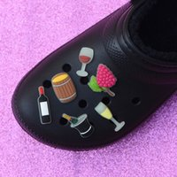 1 Pz Fashion Charms Croc Accessori per scarpe Drink Decorazione del vino Regalo Glow In The Dark Croc Clog Scarpe Frutta NOCTILUCENT CHARMS 0715