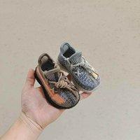 Baby Sneakers Spädbarn Första Walkers Toddler Skor Moccasins Soft Girls Boys Footwear Casual Kids Running Sportskor B8097