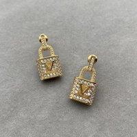 Boucles d'oreilles de designer femmes de luxe de luxe Boucle d'oreille de mode de mode avec boîte lettres Golden Party cadeaux de mariage mens D217064F