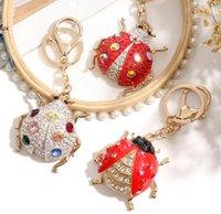50 قطع الماس مطعمة خنفساء الحلي سبيكة حمراء سكورات المفاتيح مخصص لطيف قلادة المعلقات الإبداعية لحقيبة سيارة السيارات هدية صغيرة HYS05-3-1