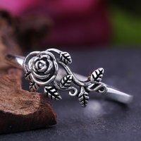 Huitan Vintage Black Rose com Folha Mulheres Anel Retro Elegante Jóias Blossom Presente Anel Especial Presente Para Anel de Moda Antiga de Amor Y0420