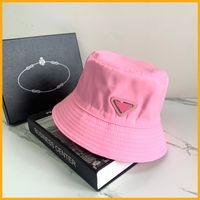 2021 Nylon Bucket Hat Unisex Donne Donne Cappelli Triangle Lussurys Designer Caps Mens Bonnet Berretto Designer P Cap Womens Sunhat Beach D2107072L
