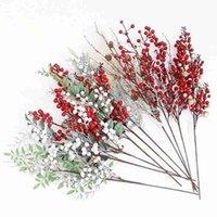Noel Yapay Çam Şubesi Buket Berry Koni Kırmızı Meyve Dekorasyon için Sahte Çiçek Ağacı Dekoratif Çiçekler Çelenkler