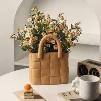 Vases Nordic Creative Handbag Bag Vase Morandi Ceramic Living Room Flower Arrangement Home Model Decoration Ornaments