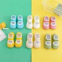 첫 번째 워커 아기 양말 신발 2021 봄 여름 어린이 바닥 사탕 다채로운 단단한 양말 집 0-2 년