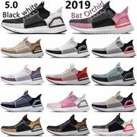 19 Ultra Boosts 5.0 UltraBoost Scarpe da corsa bianche Bianco Refract Black Refract Primeknit Dark Pixel Uomo Donne Sport Sport Sneakers 36-45