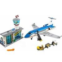 مدينة مطار محطة محطة 82031 نموذج الطائرة اللبنات الطوب محطة المطار الدولية 60104 كتل الطائرة X0503