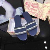 Sandali estivi di Parigi Sandali estivi Luxe Slipper Girls Beach Slifts Dlides Moda classica Vintage Pantofole floreali ricamate con scatola con scatola