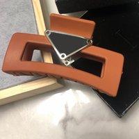 Morsetti a triangolo multicolor Donne Girl Letter Claw Clip Fashion Capelli Accessori per il partito regalo Alta qualità