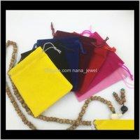 Bolsas, Pantalla de embalaje Entrega de gota 2021 Bolsas de regalo Bolsas de almacenamiento de regalo Franelette Material de tela para bodas 10 * 12 cm Joyero Packag