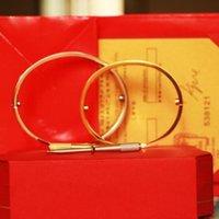 Браслет любви Браслеты Женщины Мужчины 4cz Титановый стальной винт отвертки браслеты золотые серебряные розовые браслеты ногтя ювелирные изделия с бархатной сумкой