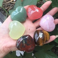 Natural Heart Shaped Crystal Stone Party Favor Pink Carved Palm Love Healing Gemstone Handicraft Desktop Decoration Ornaments NHA5303
