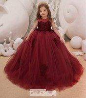 2021 Burgundia Księżniczka Kwiat Dziewczyny Sukienki Klejnot Koronkowy Aplikacja Złudzenie Bez Rękawów Długość Podłoga Długość Urodziny Dziewczyna Dziewczyna Korant Suknie
