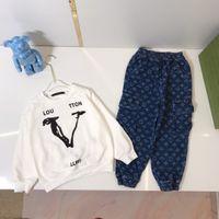 1824 дизайнерские детские детские толстовки свитер + джинсы брюки наборы детей осенью осенний пуловер трексуита одежда с длинным рукавом CD набор девушек спортивный одежды