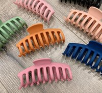 Solid Big Hair Claws Elegant Frosted Acrylic Hair Clips Hairpins Barrette Headwear for Women Girls Hair Accessories 7 colors