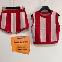 21SS Kadınlar İki Adet Takım Elbise Üst + Elastik Etek Kontrast Renk Şık Setleri Yaz Moda Giyim Kaliteli Bayanlar Elbise
