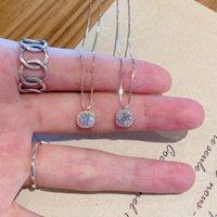 Petit pendentif carré Diamant Flash Femelle Collier Minority Design Sentiment de tempérament de luxe Simple Chaîne de clavicule simple