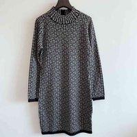 2021SS 브랜드 캐주얼 드레스 여성 훌륭한 품질 여성 디자이너 옷 스트라이프 드레스 수제 뜨개질 높은 탄력성