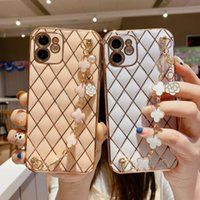 Electroplating Lambskin Cell Phone Cases For Iphone 11 Pro 12 13 Mini 11 XR XS 8PLUS 7PLUS 7 With Four-leaf Clover Bracelet Anti-fall Protective Cover