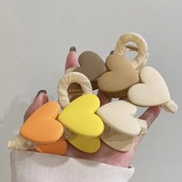 Korea Candy Color Love Heart Claw Clamps Large Barrette Bath Ponytail Clip Women Girls Hair Accessories Gift