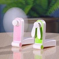 USB Mini Fold Fans Electric Portable Tenir Petits Ventilateurs Originalité Petit ménage Électroménager Électroménager Desktop Ventilateur électrique HWF6157