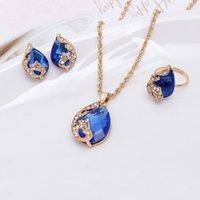 Gouttelettes d'eau Crystal noble Collier Boucle d'oreille Bague Bijoux Ensemble d'aile décorée 1129 Q2