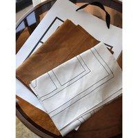 Sciarpe Toteme Twill Twill 57cm Geometric Stripe Scialle di seta Sciarpa da donna Scialle sottili da donna