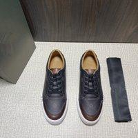 2021 أحذية رياضية للرجال الجلود الكلاسيكية حسب الطلب، اتجاه الأزياء الراقية، المصممين كبار المستأجرة لتصميم.