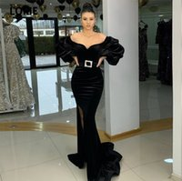 Vestidos de noche árabes Black Off Hombro Mangas largas Hinchadas Velvet Sirena Vestido de fiesta vestido de fiesta Abendkleider 2021