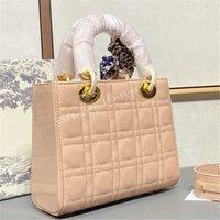 2021 Classic dames femmes célèbres luxurys fourre-tout sacs de concepteurs de sacs à main Diamant Lettre D Lettre D Pendentif Épaule de luxe Totes de sac Cross Body Sac Sacs à main sacs à main sacs à main