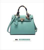 Designer new luxury large-capacity women's bag fashion lock one-shoulder handbag casual all-match messenger bags