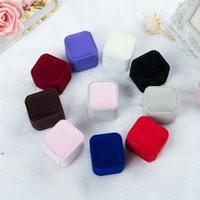 Bulk 11 cor de veludo jóias caixas de presente para anéis casamento casamento casal jóias embalagens quadrados show caixa de caso 55 * 50 * 45mm dwb8658
