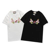 Erkek Tasarımcı T-Shirt Lüks Marka Stilisti Kısa Kollu Tee Moda Baskılı Casual Açık Yaz Tees 2 Renkler M-3XL Tops