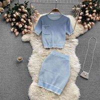 Conjuntos de 2 peças de manga curta casual Bodycon Outfits Listrado Crop Top Top Knitting Fashion Fashion Mulheres Saia Co-Ofor Set Verão 210530