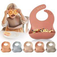 아기 먹이 식기 식기 어린이를위한 1PC 실리콘 턱받이를 만들어냅니다. 신생아 워터 퍼프 유아 아침 식사
