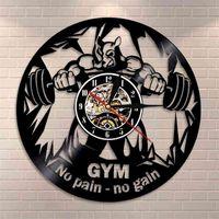 Fitness Club Motivation The Beast Silent Wall Clock Horloge de gym Decor Décor Vinyle Enregistrement mural Horloge Bodybuilding Kettle Bell Retro Watch 210401