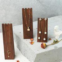 High-end Black Walnut Wood NecklaceBracelet Dark Brown Triangle Storage PO Props Smycken Display Stand 1pc