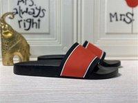 2021 Versión París Diapositivas para hombre Sandalias de verano Sandalias de playa Zapatillas de playa Damas Flip Flops Black Leisure Slider Chaussure Sculfs Calzado