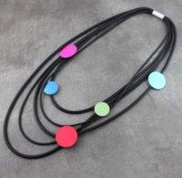 Nouveau collier long pour femmes pendentif colliers d'aluminium accessoires de tôle en caoutchouc à la main Multi couche DFF0253