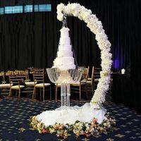 Romantico Lusso Metallo Arch Drape Suspend Lampadario Cake Stand Swing for Cake Topper Decor Centerpiece Chandelier Evento di nozze Decorazioni per feste