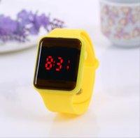 Kinder-LED-Uhr Kreatives Quadrat-Zifferblatt-Mode-leuchtende Uhren-Studenten Süßigkeiten Bunte Gelee elektronische digale Armbanduhren
