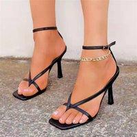 Sandali Tacchi scarpe 2021 Designer Net Europeo e Americano Red Square Toe Alta Flip-flop Sandali Commercio estero Commercio internazionale Donne Border