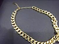 Классика Мода Короткое ожерелье для Женщин Золотые Цветные Цепи Леди и Мужчины Кулон Ожерелья Свадебные Изделия С Сумкой