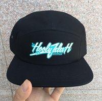 2021 лучший оттенок Dongking пользовательские 5 панелей бейсболка короткая Brim Snapback Hat бесплатный текст вышивка логотип печати хлопок регулируемый персональный