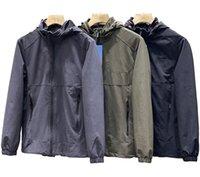 Top Versie Ontwerpers Heren High-End Jacket Heat Wicking Dier Borduurwerk Patroon Europa Waterdichte Buitensporten Windbreaker Hooded Hoogwaardige Hoogwaardige Grote Maat L-4XL