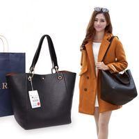 Shoulder Bag Women Luxurys Designers 2021 Leather Crossbody PU Totes Lady speedy Casual Handbag Large-capacity classic 2   piece
