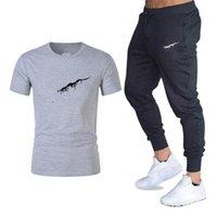 Yaz Erkek Mektup Baskı Eşofman Moda Trend Kısa Kollu Tişörtleri Pantolon Takım Elbise Tasarımcı Erkek Rahat Spor Salonları Fitness Eşofmanları