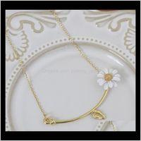Designer di lusso Gioielli Donne Collana Bianco Daisy rame con placcato oro elegante fiore girocollo moda Fine Lzbia YK9BF
